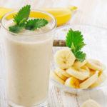 Batido de plátano, manzana y mantarinas